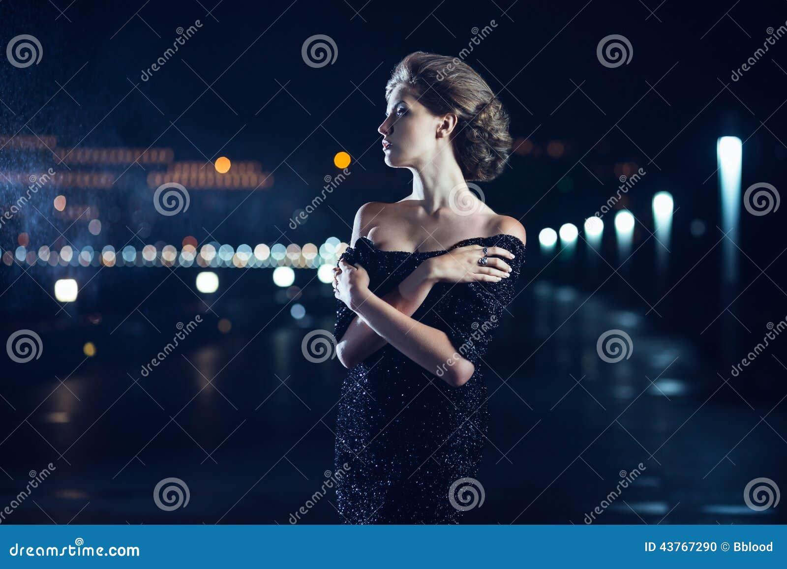Снять на ночь девушку в москве 25 фотография