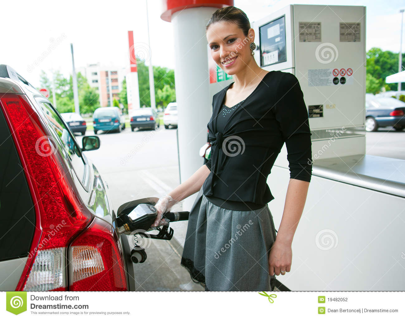 Dating. girl who works at gas station