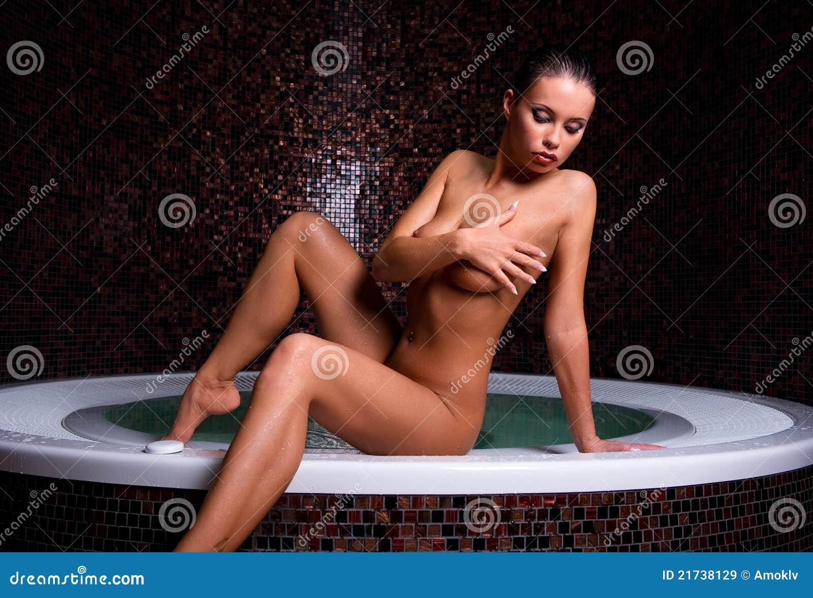 Привлекательная голая девушка 7 фотография