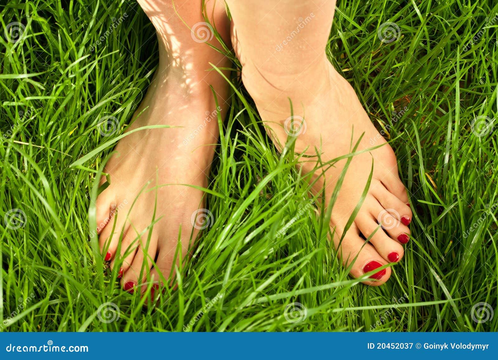 Theme woman bare feet