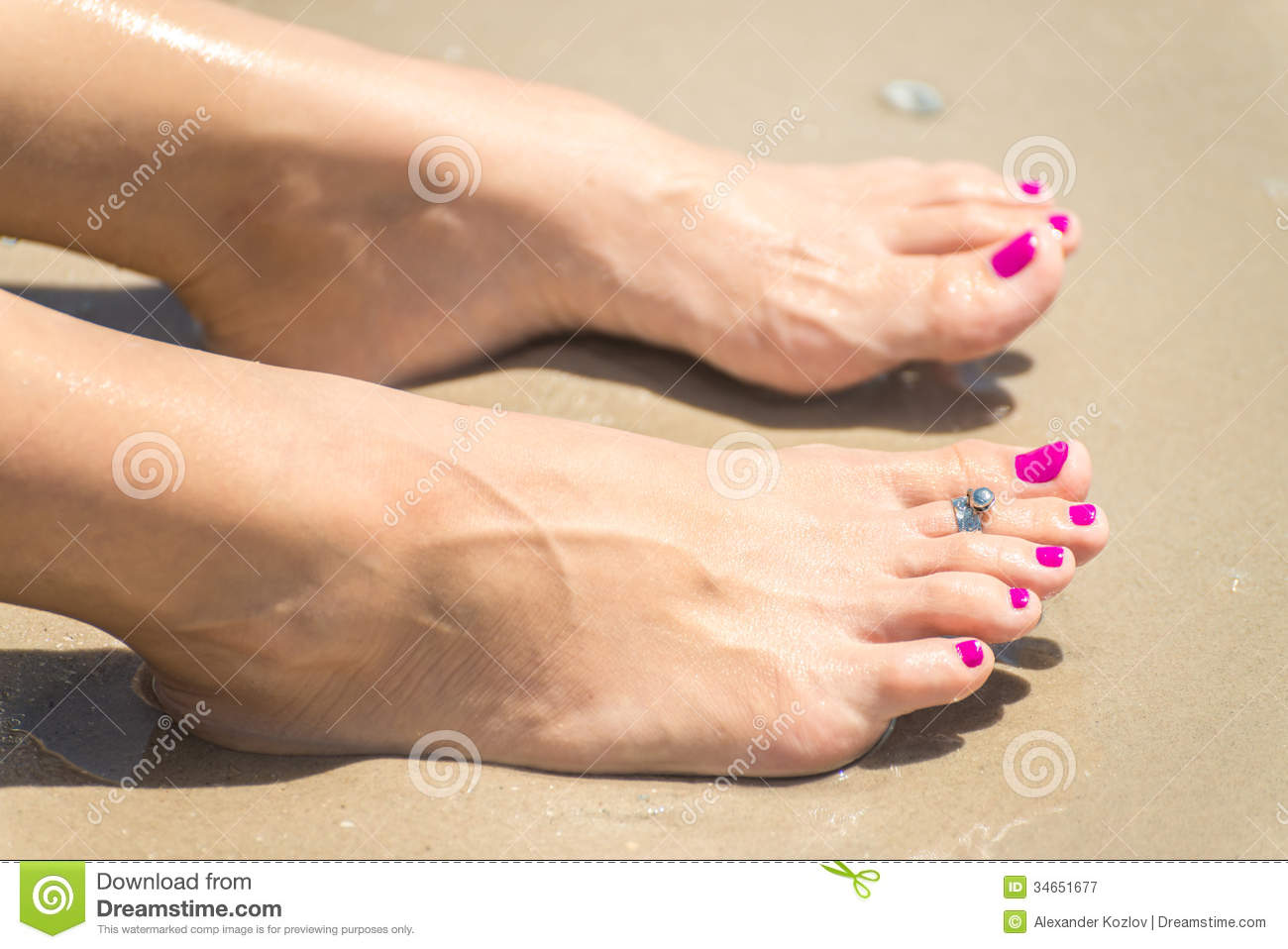 Woman S Foots With A Ring On A Toe Royalty Free Stock Photography Image 34651677