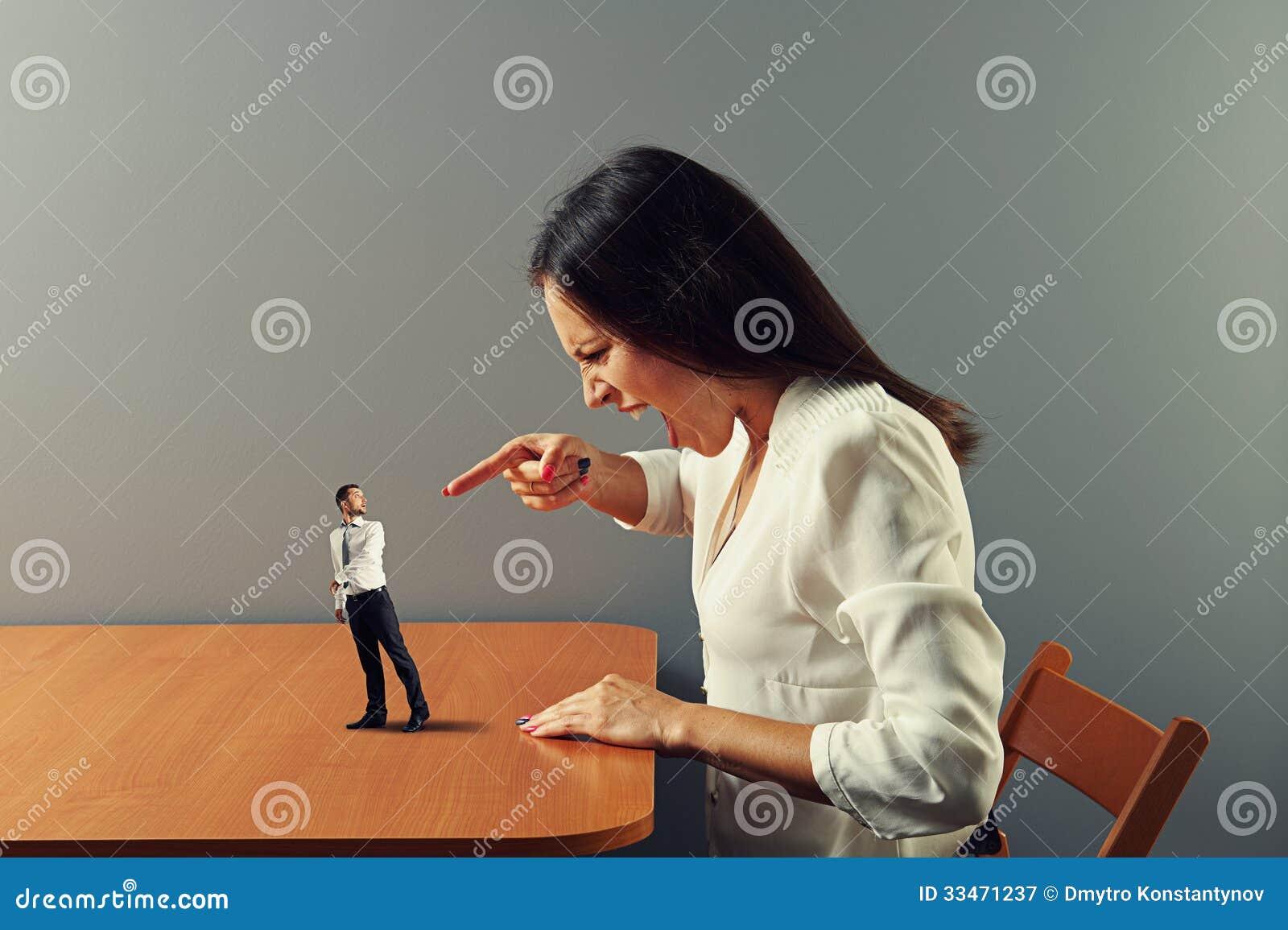 angry woman at man - photo #14