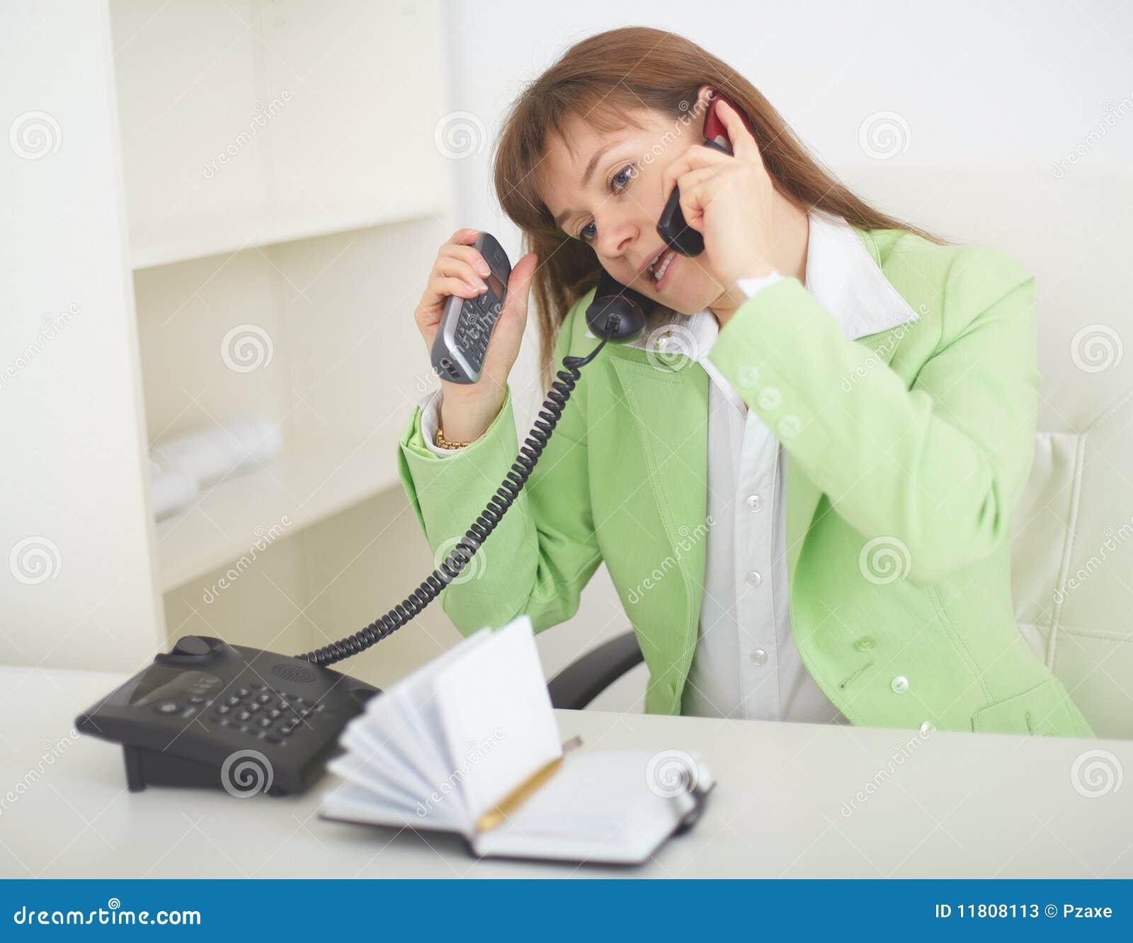 primer-razgovora-seksa-po-telefonu