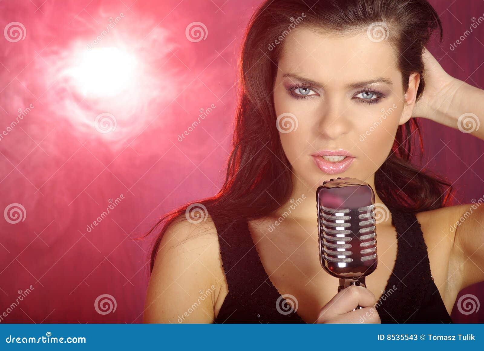 singing the girl retro - photo #2