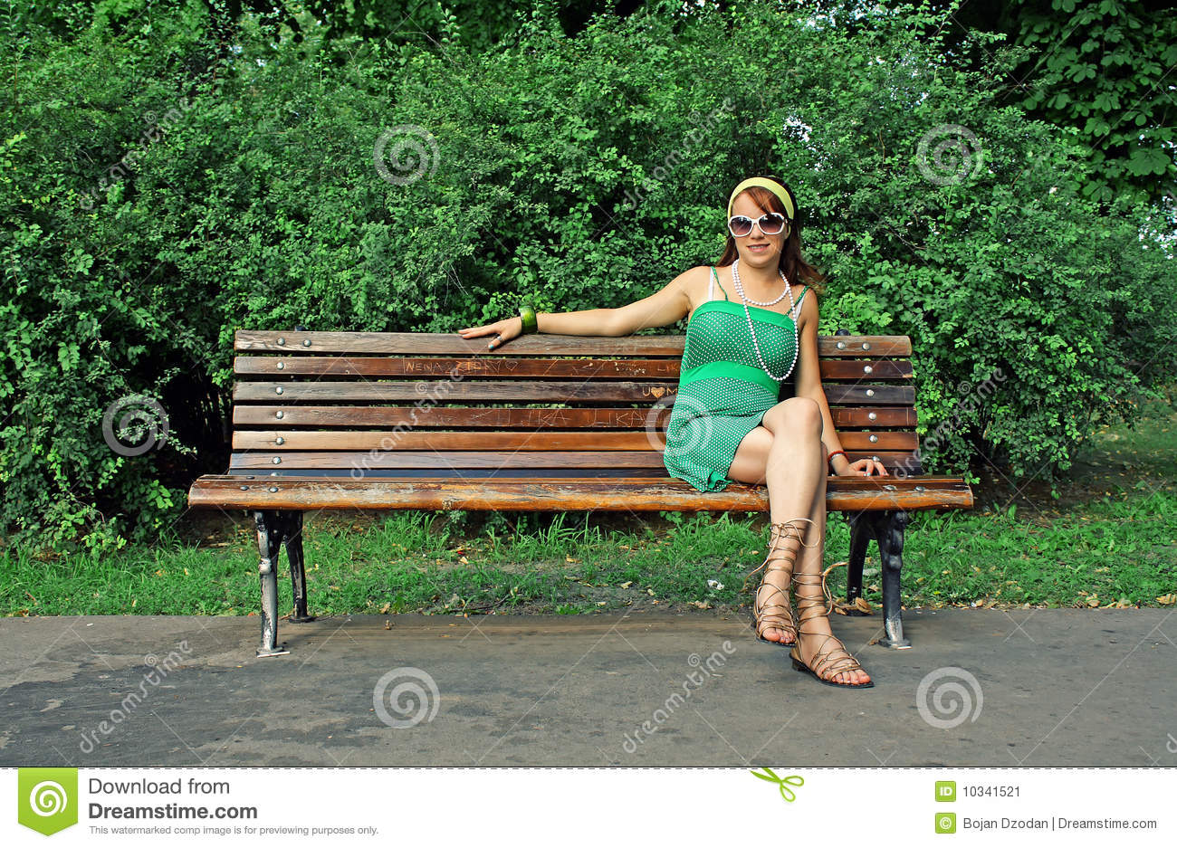 On Naked bench woman