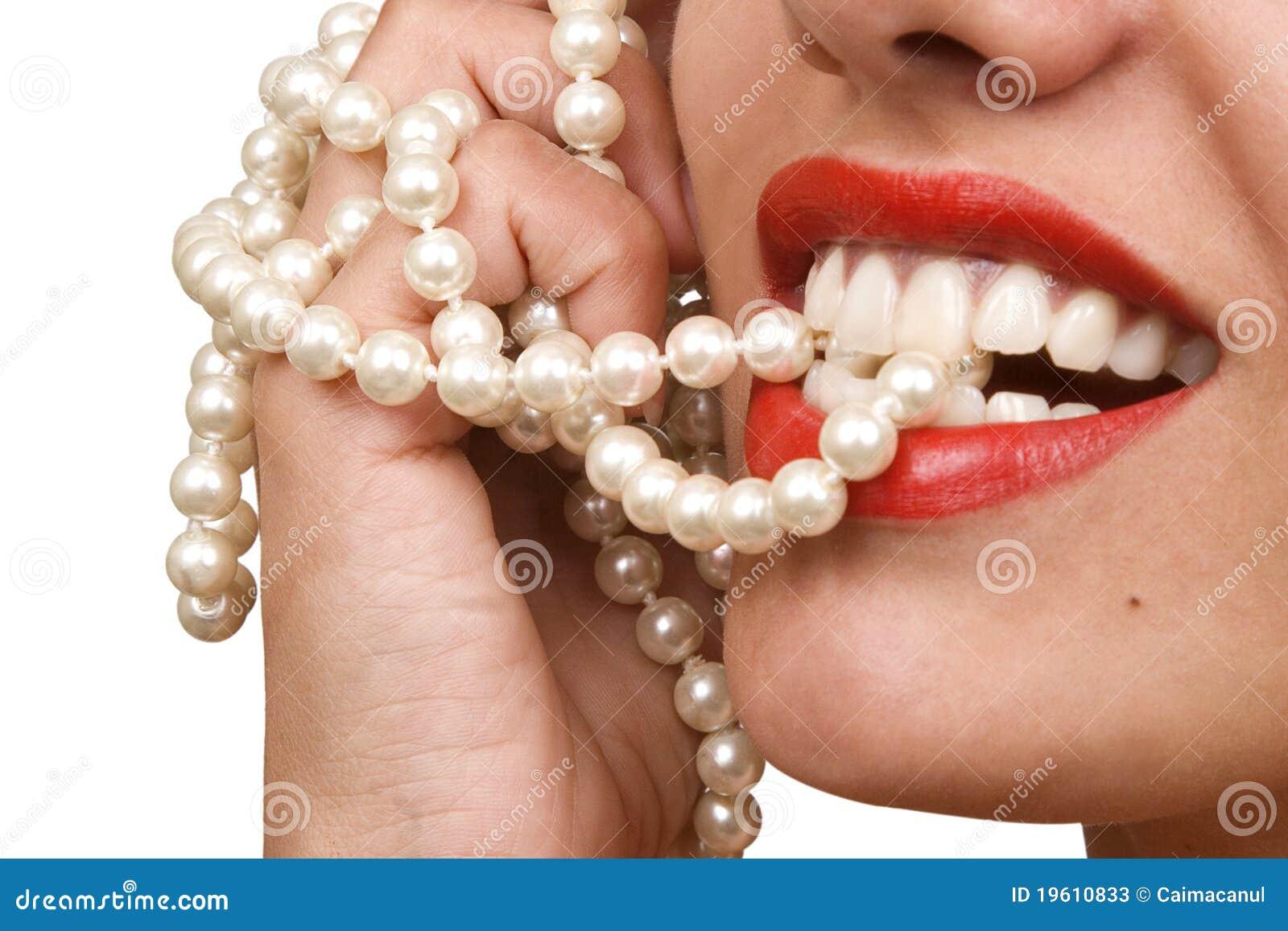 Член в зубах фото 4 фотография