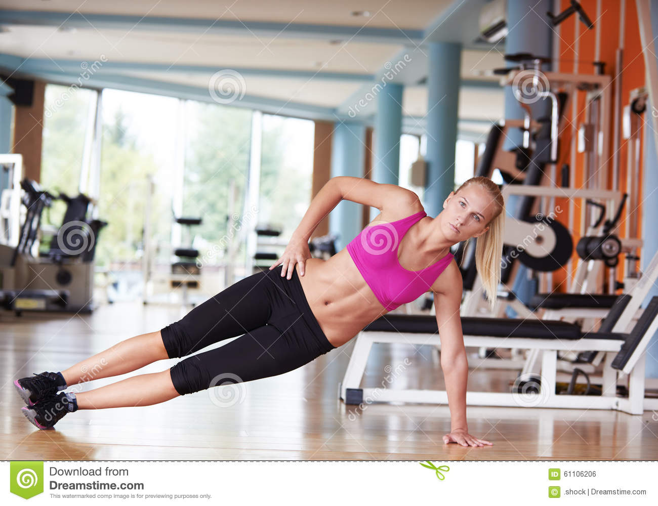 hook up with a girl at the gym Let's face it: the gym is a natural place to be attracted to and hook up with like- minded fitness buffs, as we've detailed in a woman-approved.