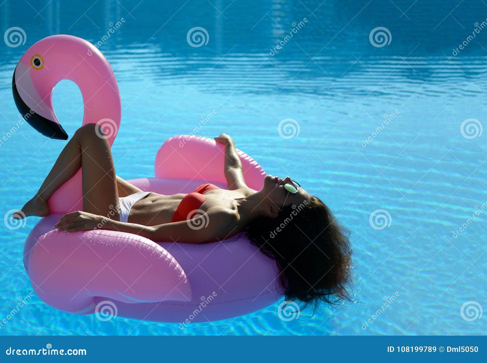 Bikini girl hot flamingo pink pool billiard — 9