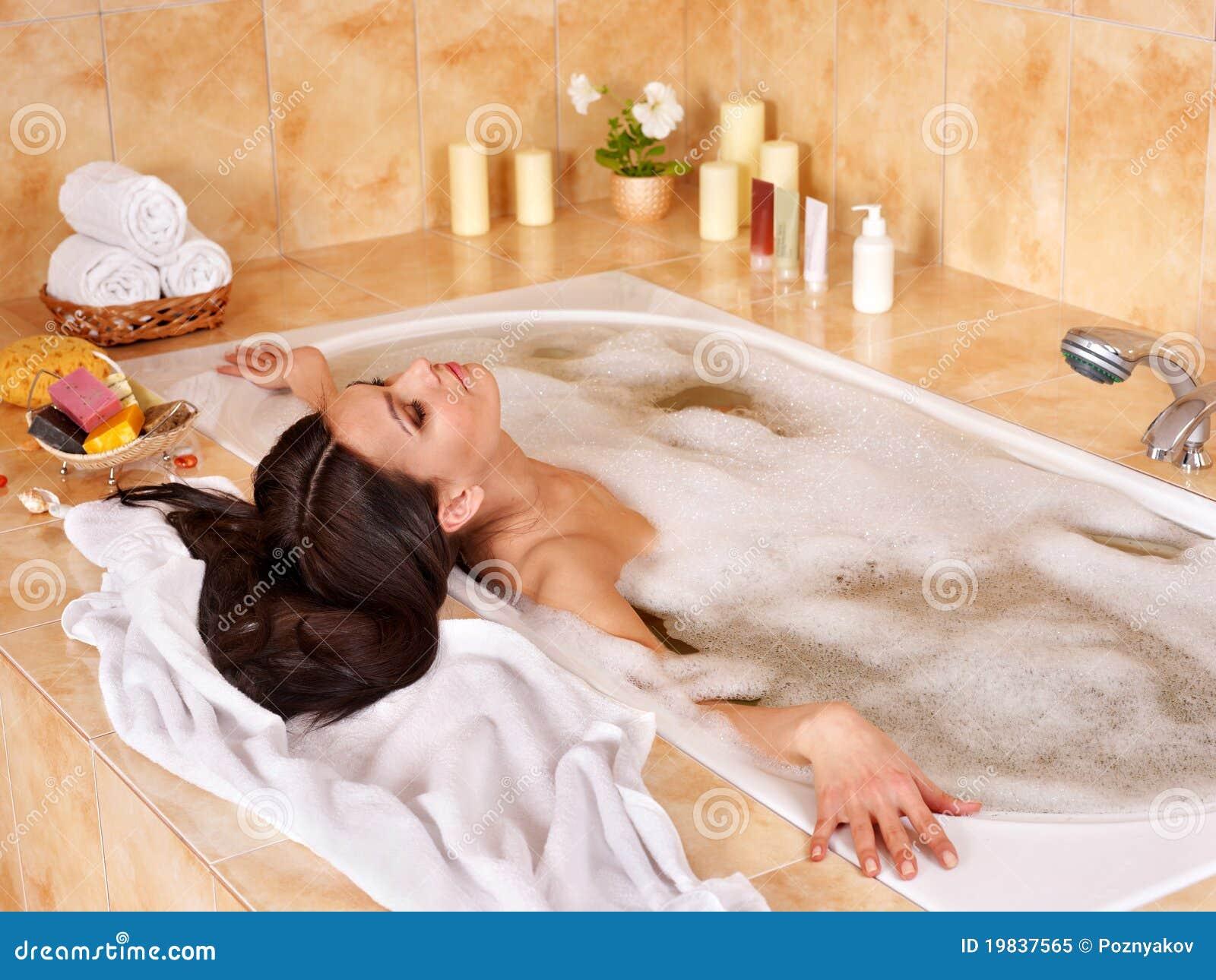 Сосут в ванной фото 6 фотография
