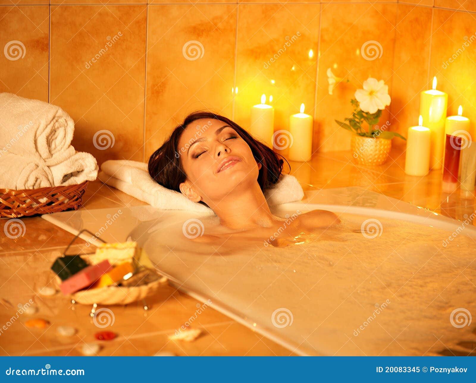 Как сделать большую пену в ванной