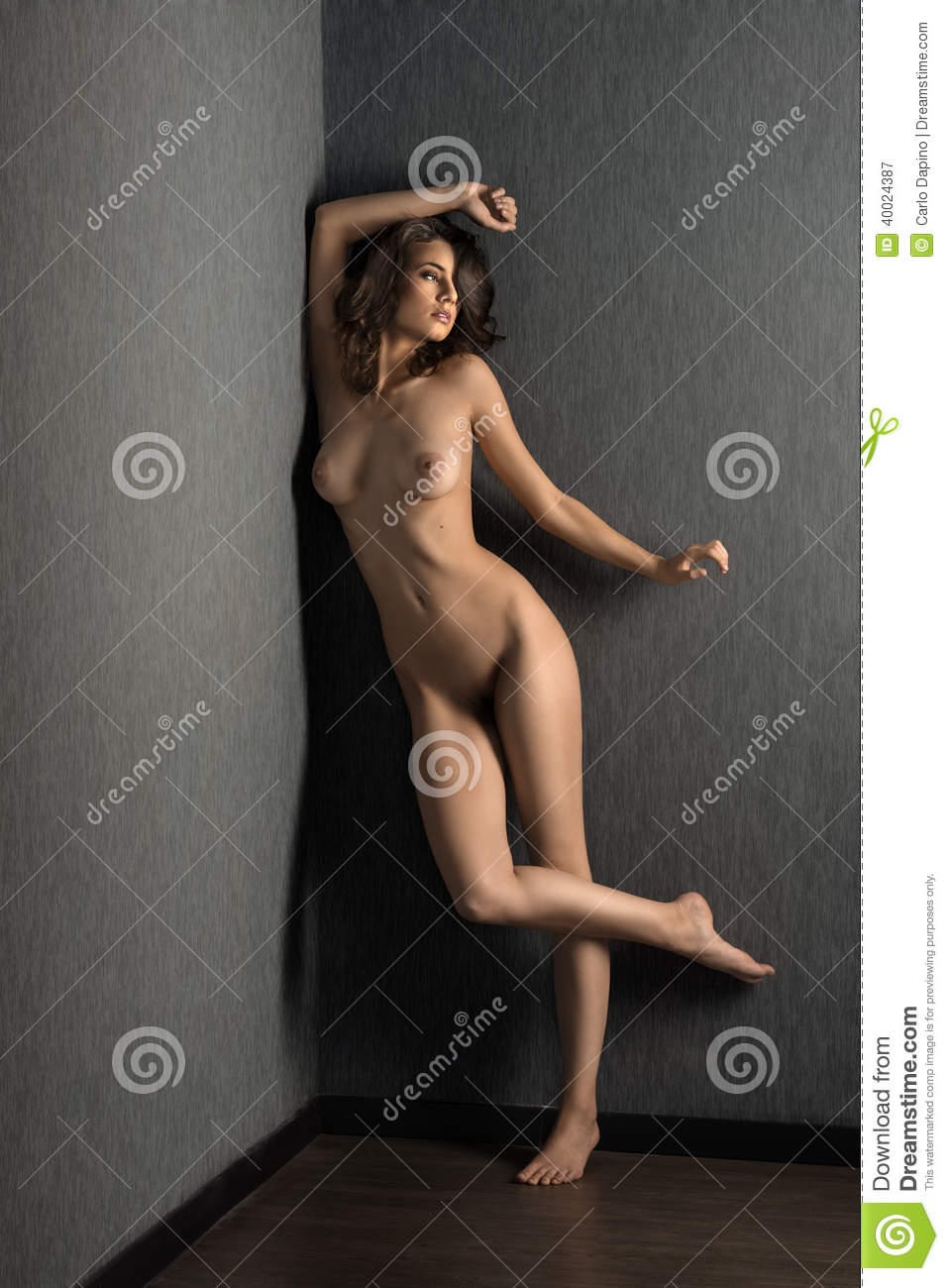 woman art posing naked