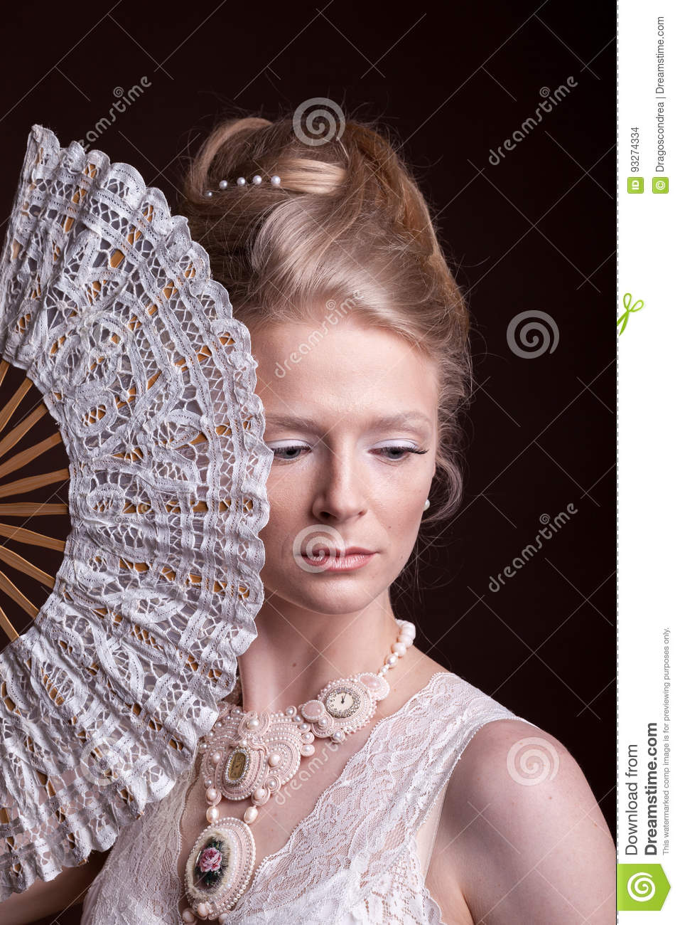760 Oriental Fan Woman Face Photos Free Royalty Free Stock Photos From Dreamstime