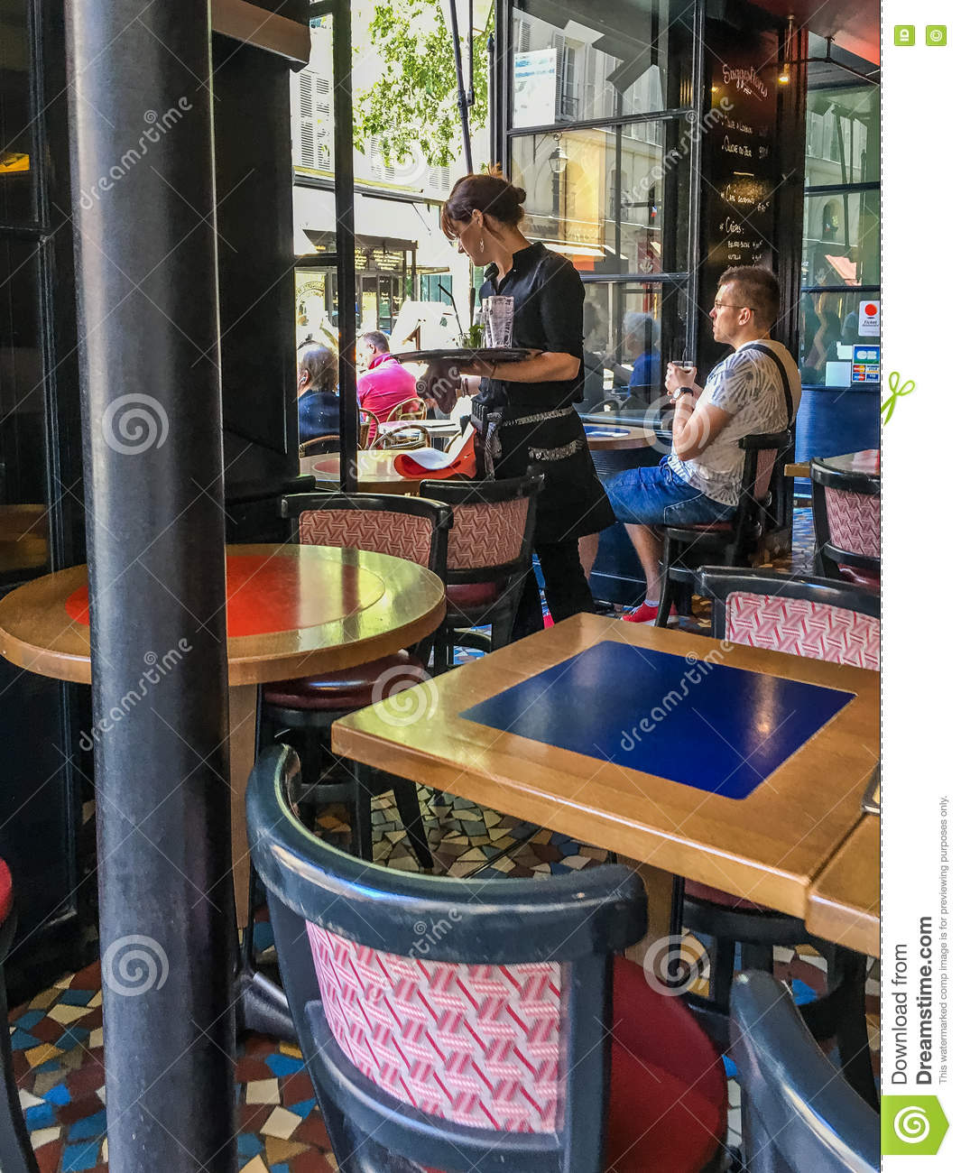 Woman Waiter Clears Paris Cafe Table Editorial Image Image Of - Paris cafe table