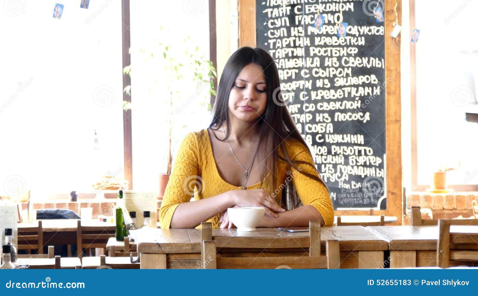 Девочка в москве пососет