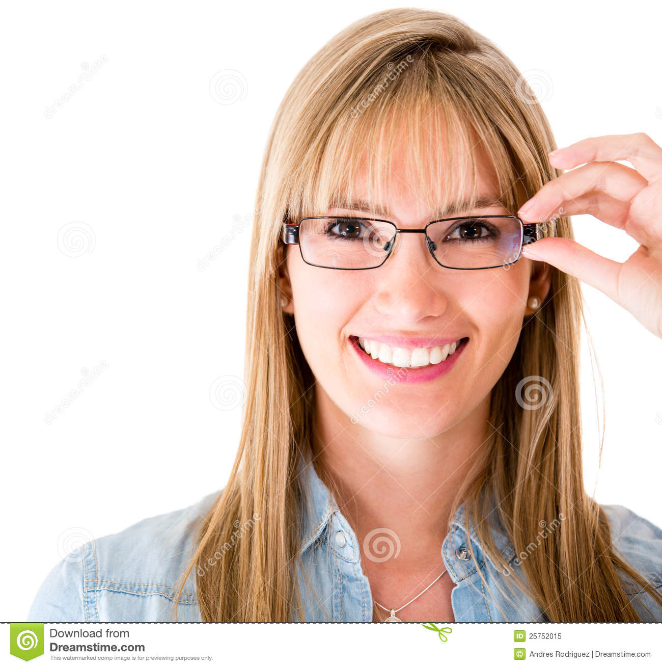 woman-wearing-glasses-25752015.jpg
