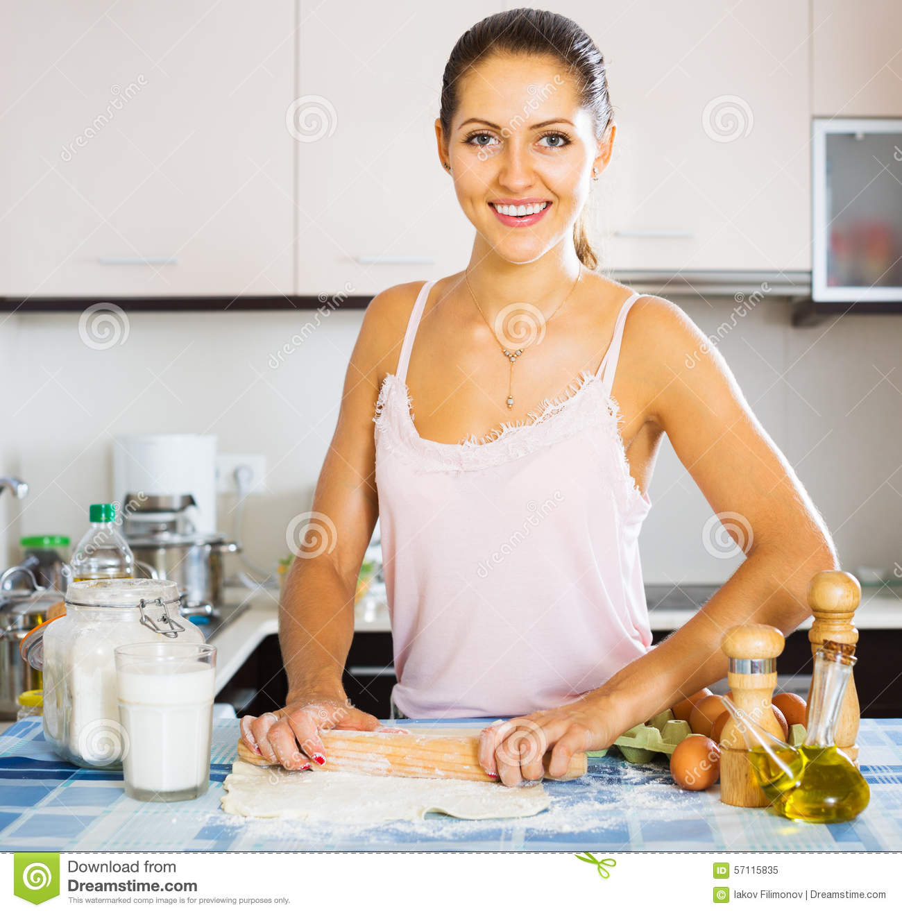"""housewife vs working women And i replied, """"i want to be a housewife – a mother"""" and i was baffled (still am)  about his response to my proud answer his first response was."""