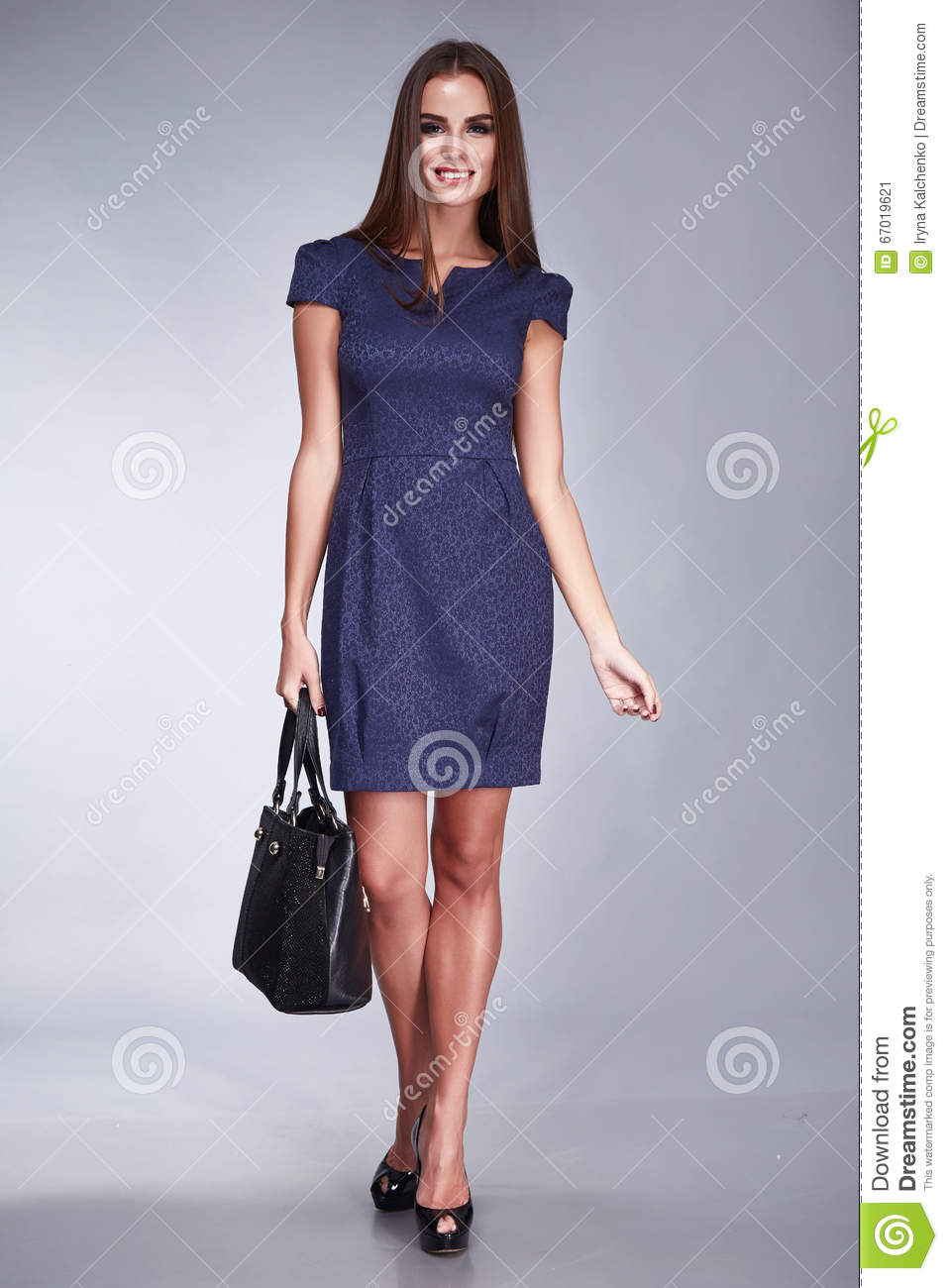 Short jeans dress to