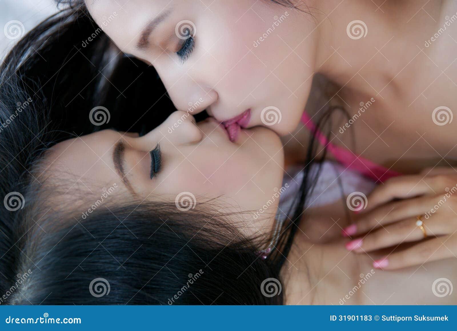Сматреть бесплатно лезбиянок, Лесбиянки смотреть бесплатно онлайн - Онлайн 25 фотография