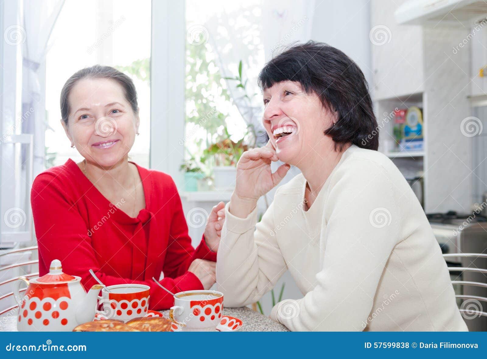 women kitchen Mature