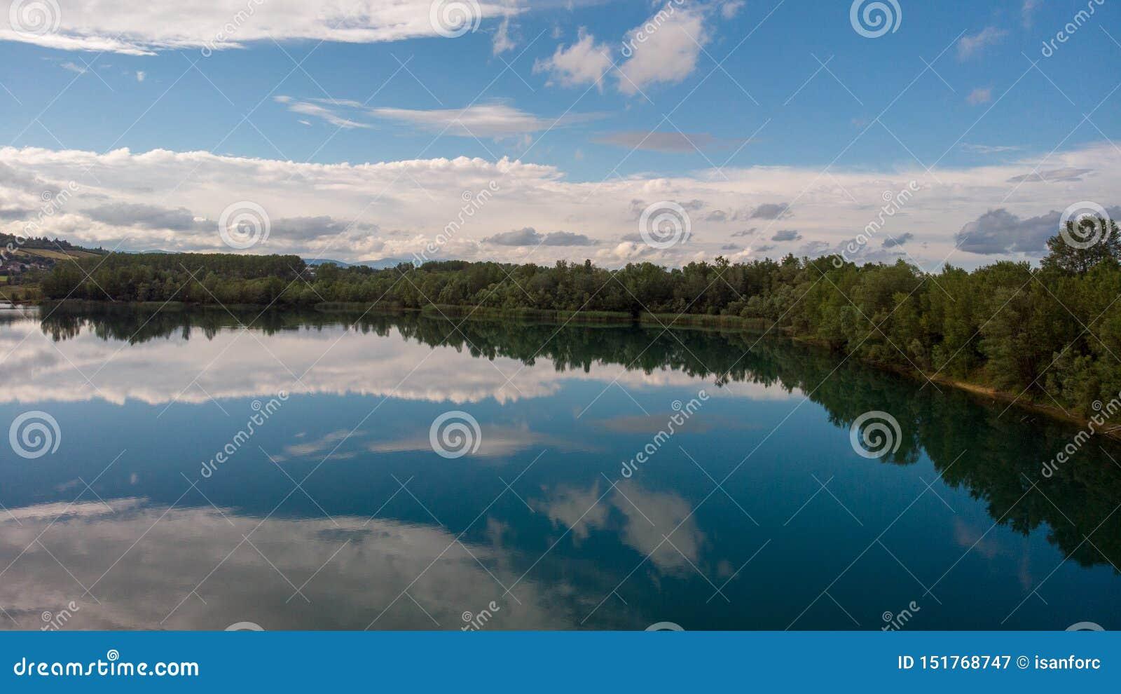 Wonderfull湖
