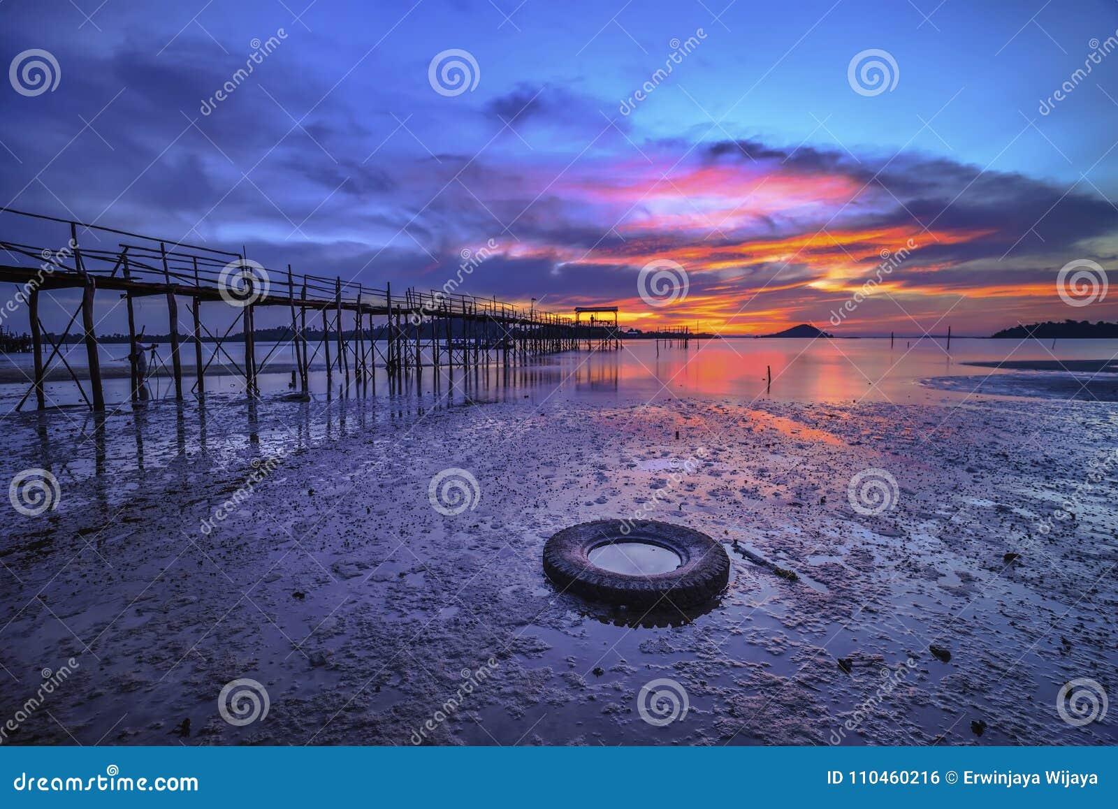 Wonderfull Indonesien för solnedgång Moment12 Batam Bintan