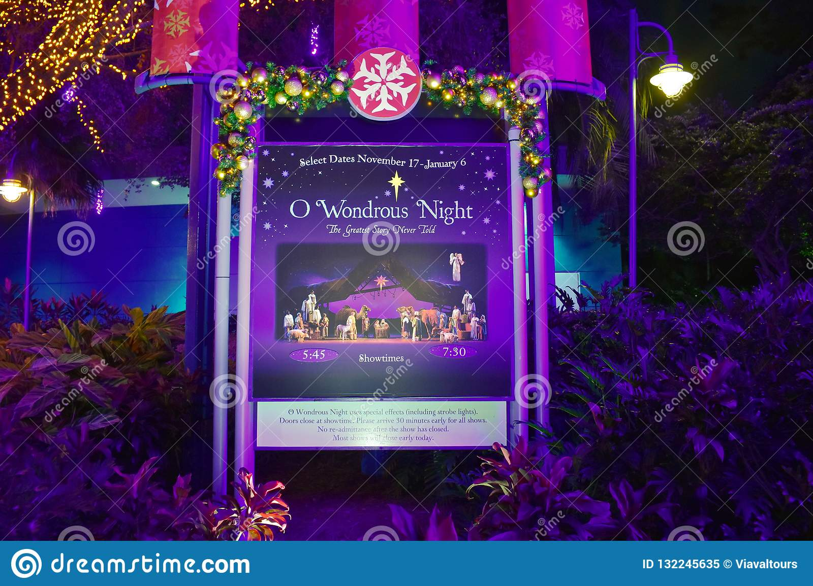Sign And Drive 45 >> Wondrous Night Show Sign In International Drive Area