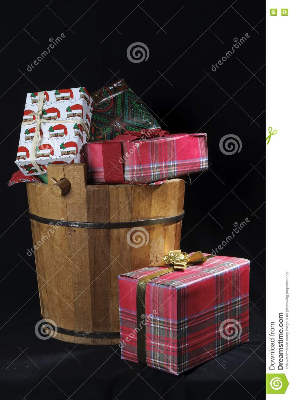 Wood christmas bucket with gifts royalty free stock images Country christmas gifts to make