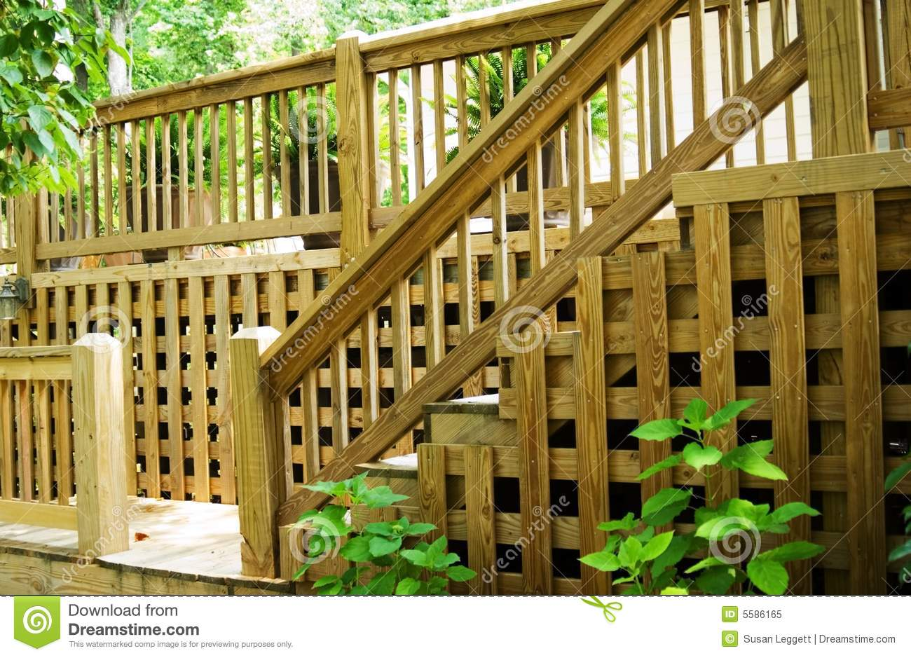 how to cut wooden lattice for decks