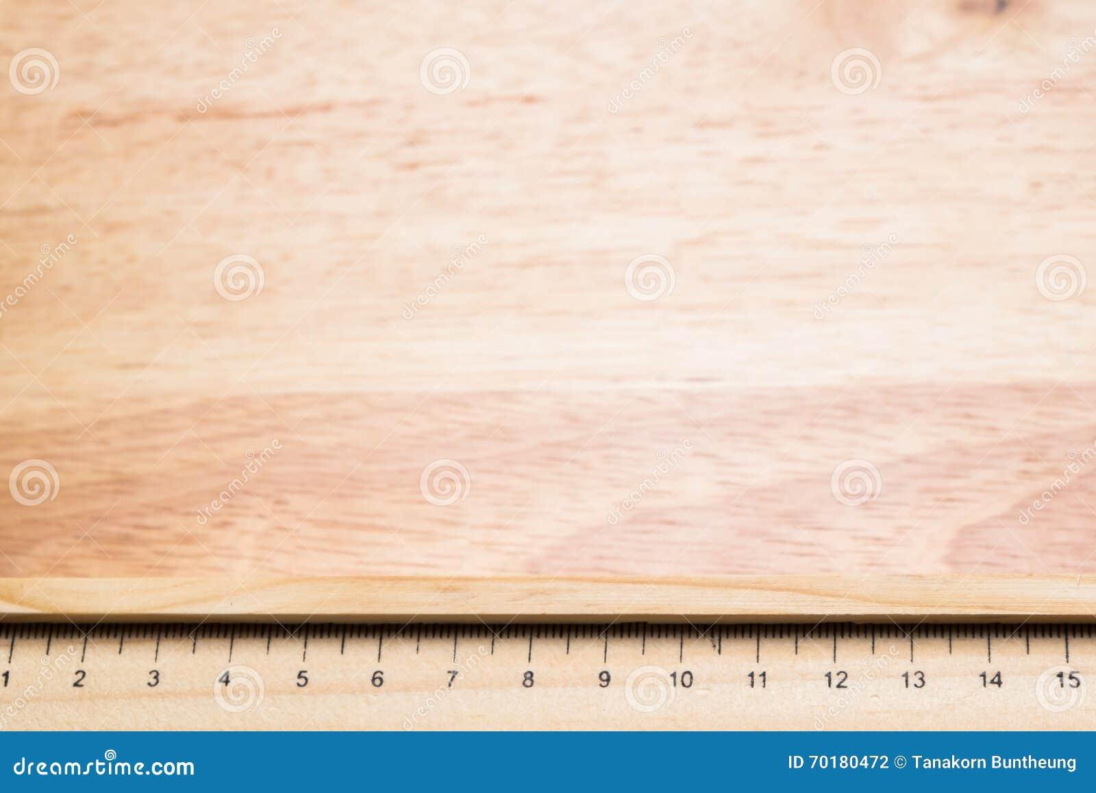Wood linjal