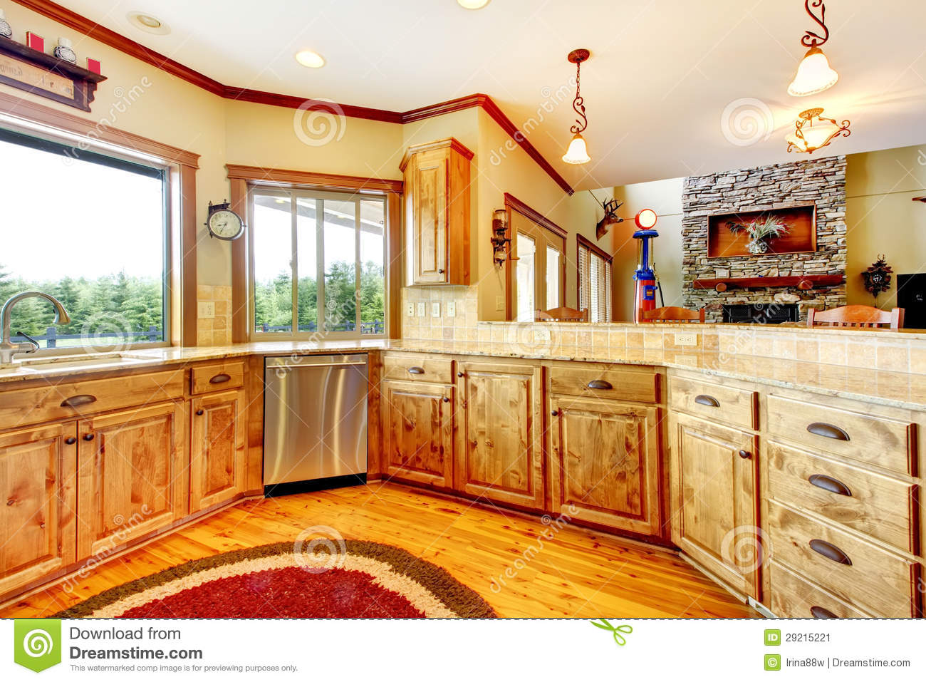 Wood luxury home kitchen interior new farm american home stock image image 29215221 for Interieur maison de luxe