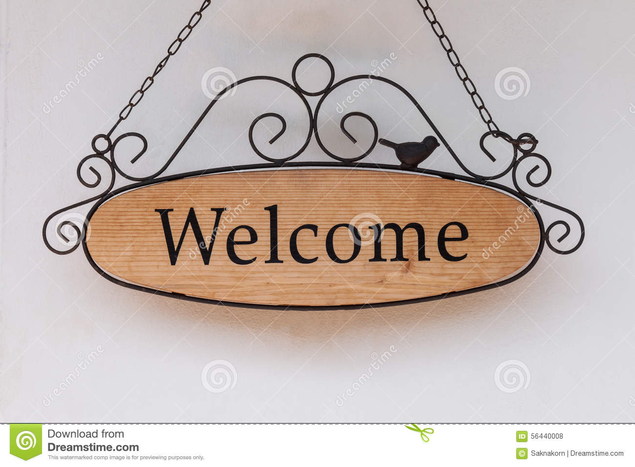 wood-welcome-sign-hanging-wall-restaurant-56440008.jpg