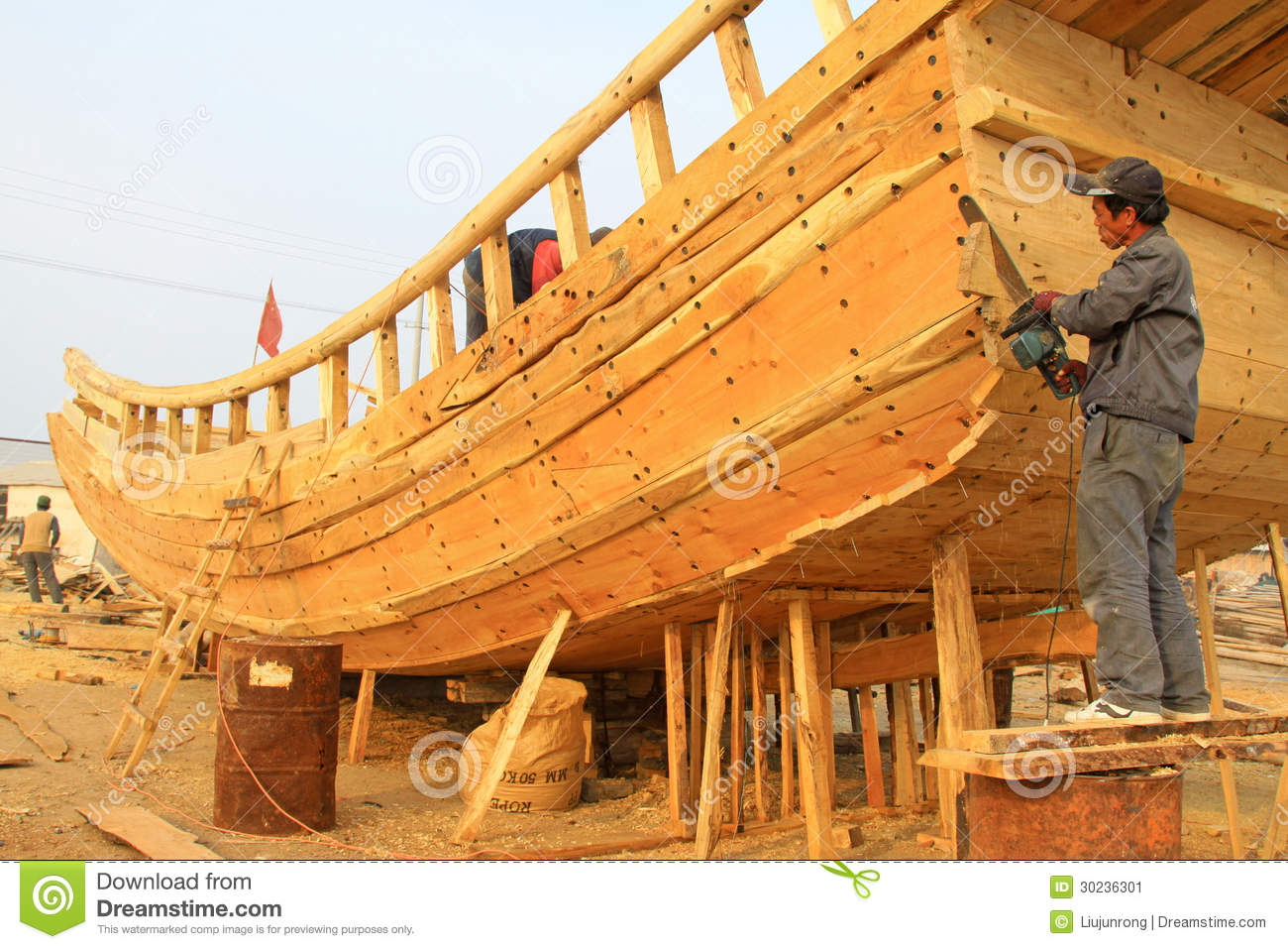 Wooden Boat Repair Field Editorial Photo - Image: 30236301