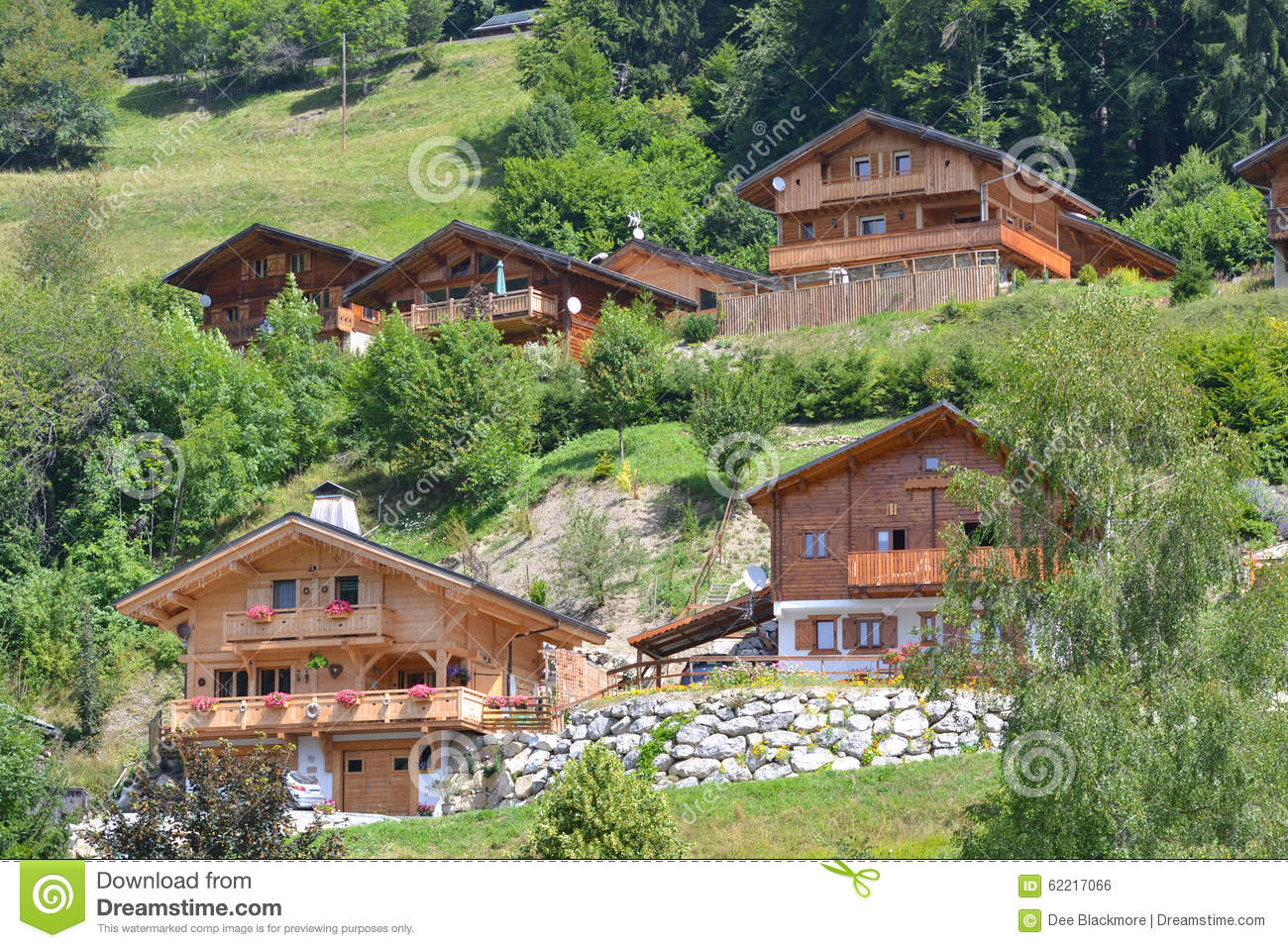 Wooden Chalets/Lodge in On Alpine Mountain