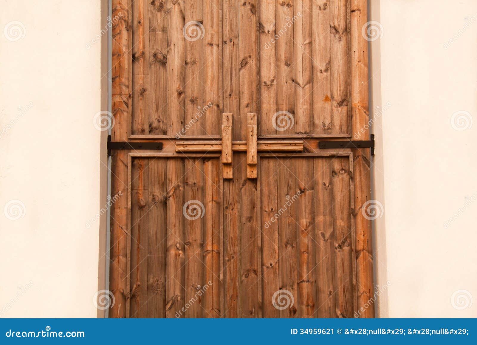 Door Latch: Wooden Door Latch