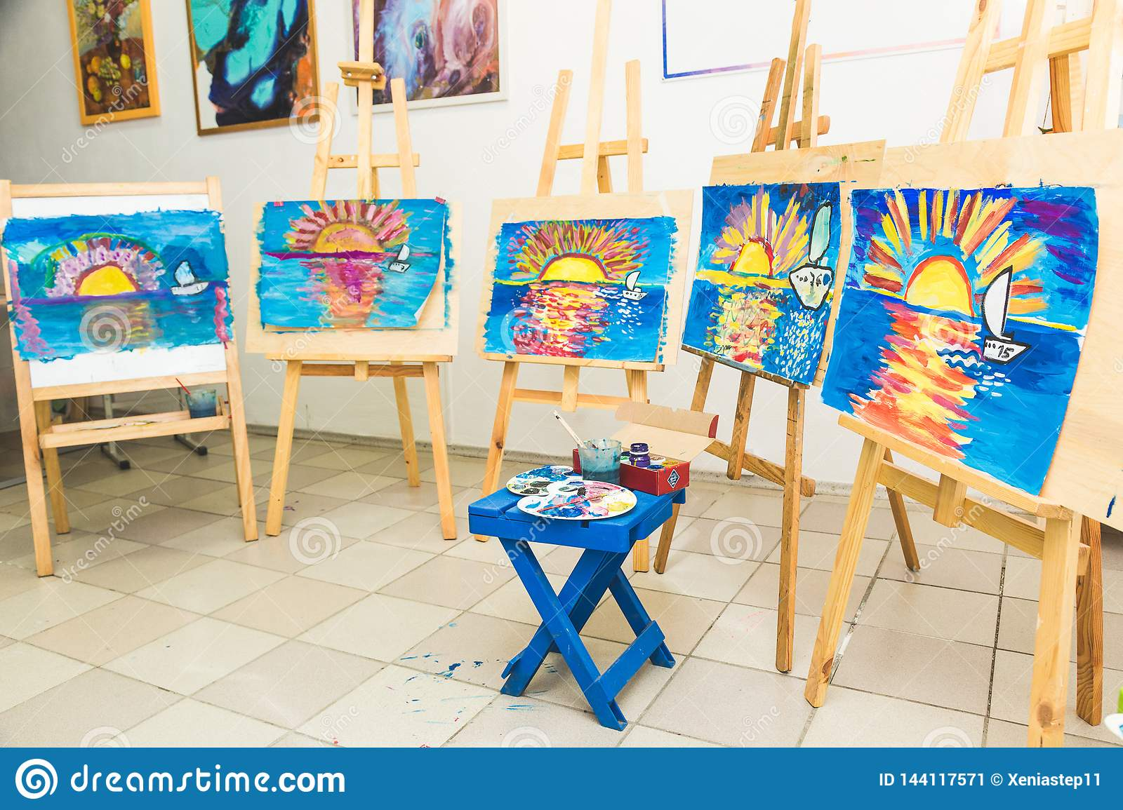 Wooden Easel In The Drawing Class With Drawings Of ...