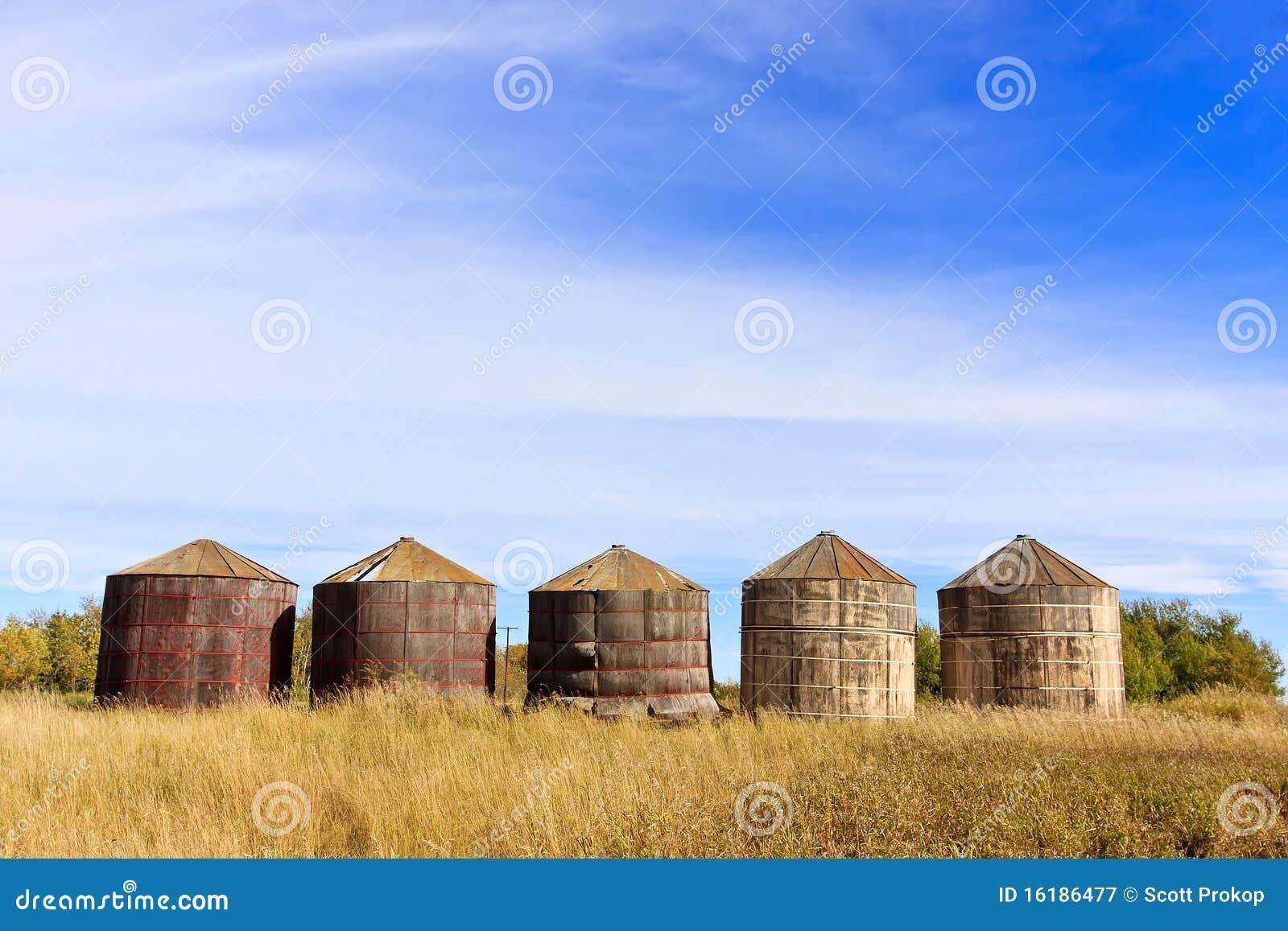 Wood Grain Storage : Wooden grain storage bins stock image of wheat