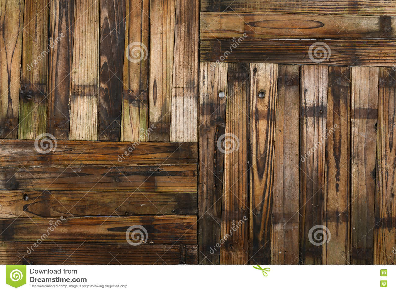 Wooden Half Barrel Garden Planter Planks Stock Image Image Of Dark