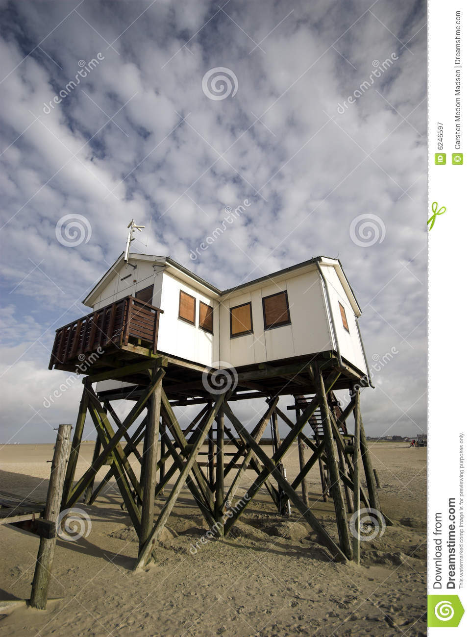 Wooden House On Stilts oyalty Free Stock Photography - Image: 6246597 - ^