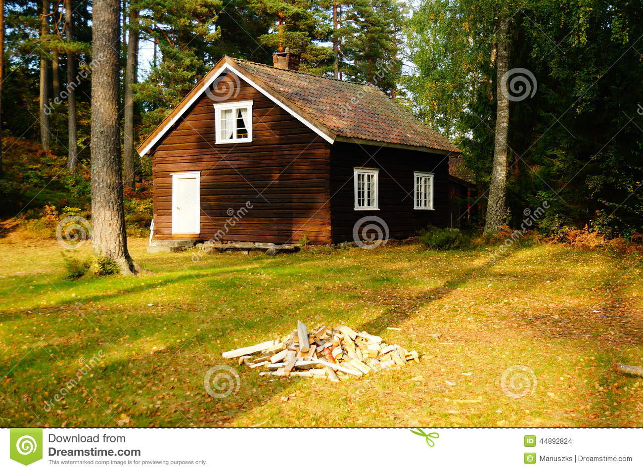 Wooden house telemark norway stock photo image 44892824 for Norway wooden houses