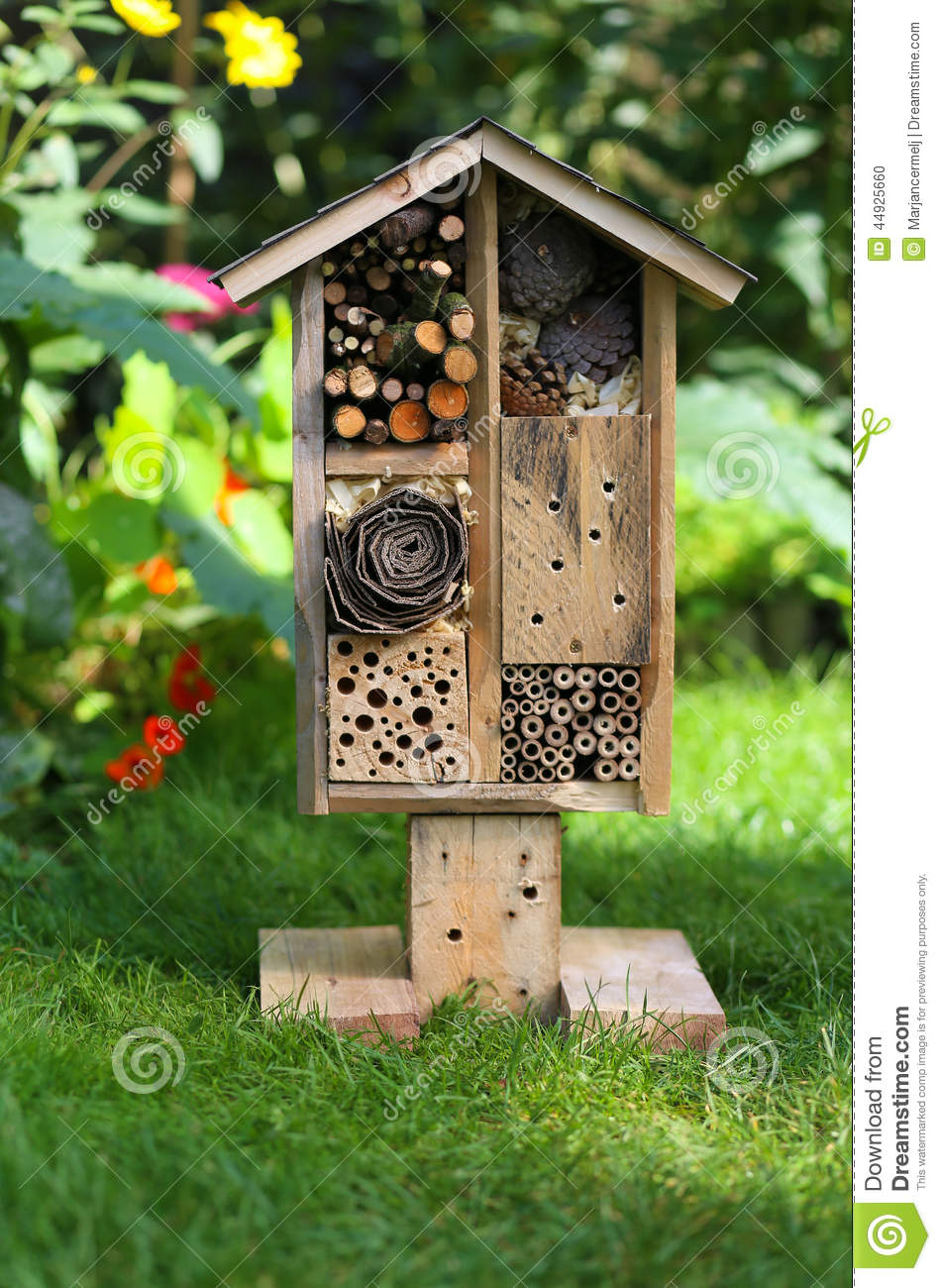Wooden insect house garden decorative bug hotel and for Decorative home