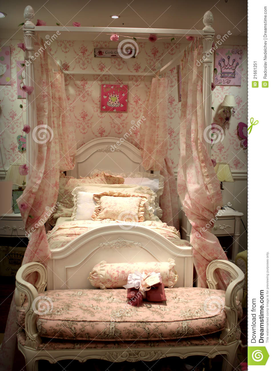 Bed Bedroom Old Style