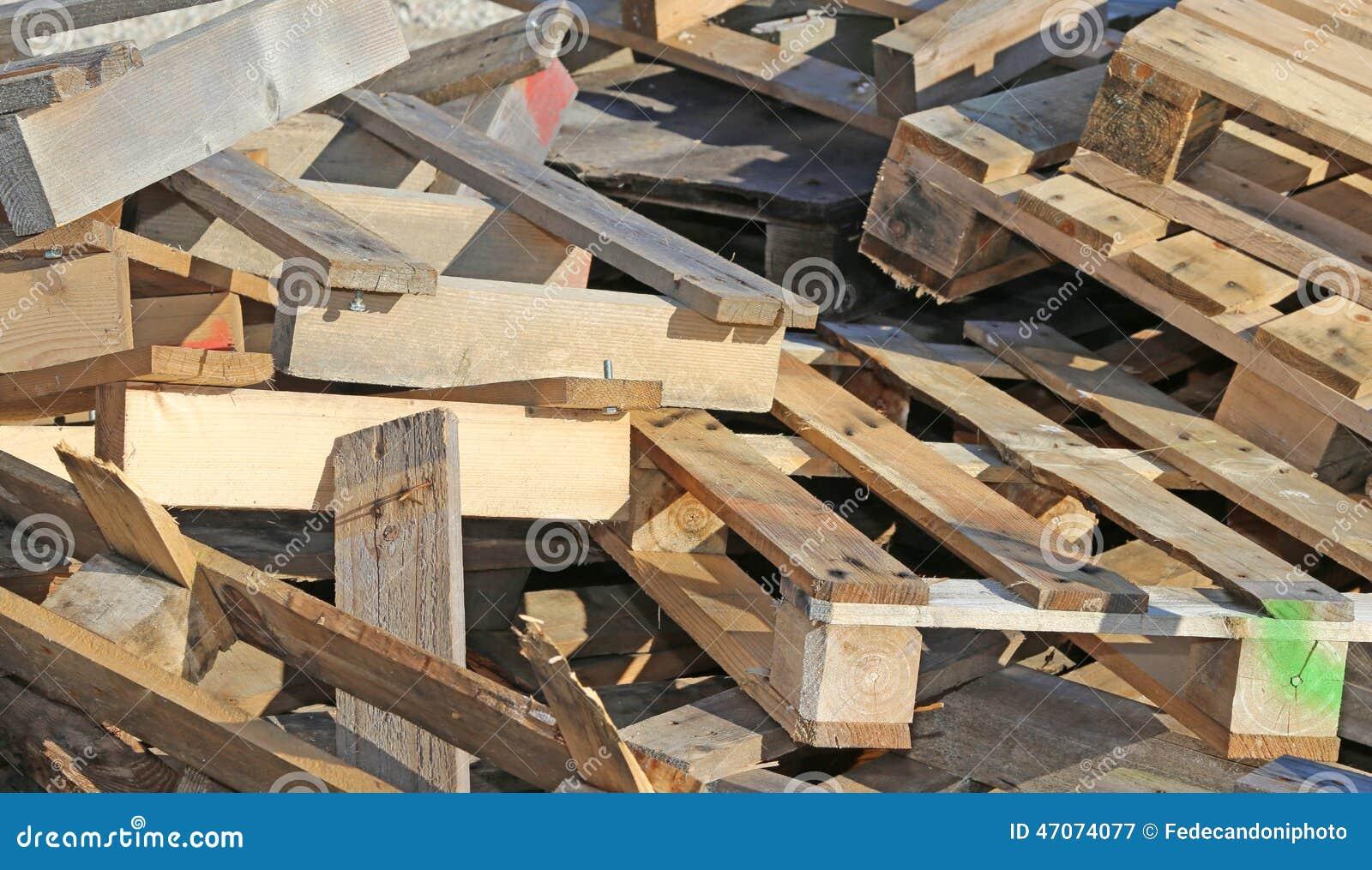 Wooden pallets highly flammable stock photo image 47074077 - Bricolage en bois de palette ...