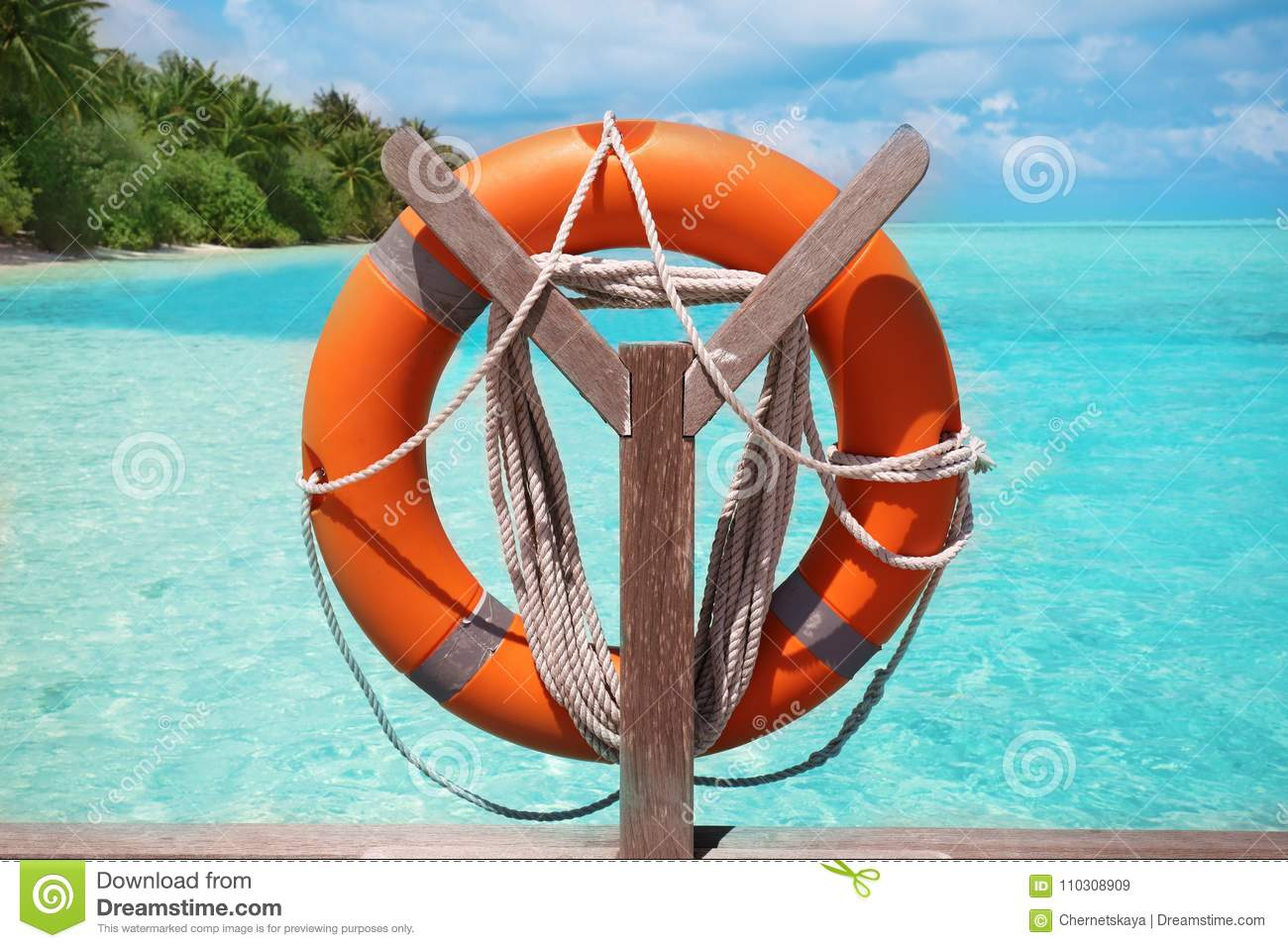 Wooden rack with flotation ring