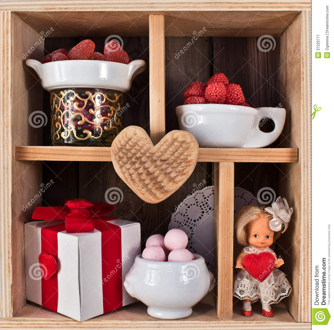 Valentine Decorated Boxes: Wooden Shelf Decorated For Valentine Stock Image