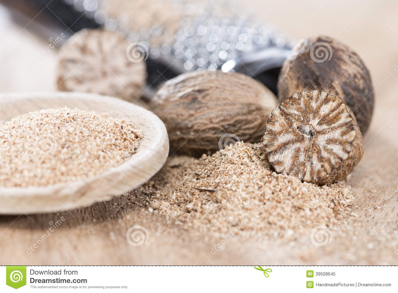Wooden spoon with Nutmeg Powder