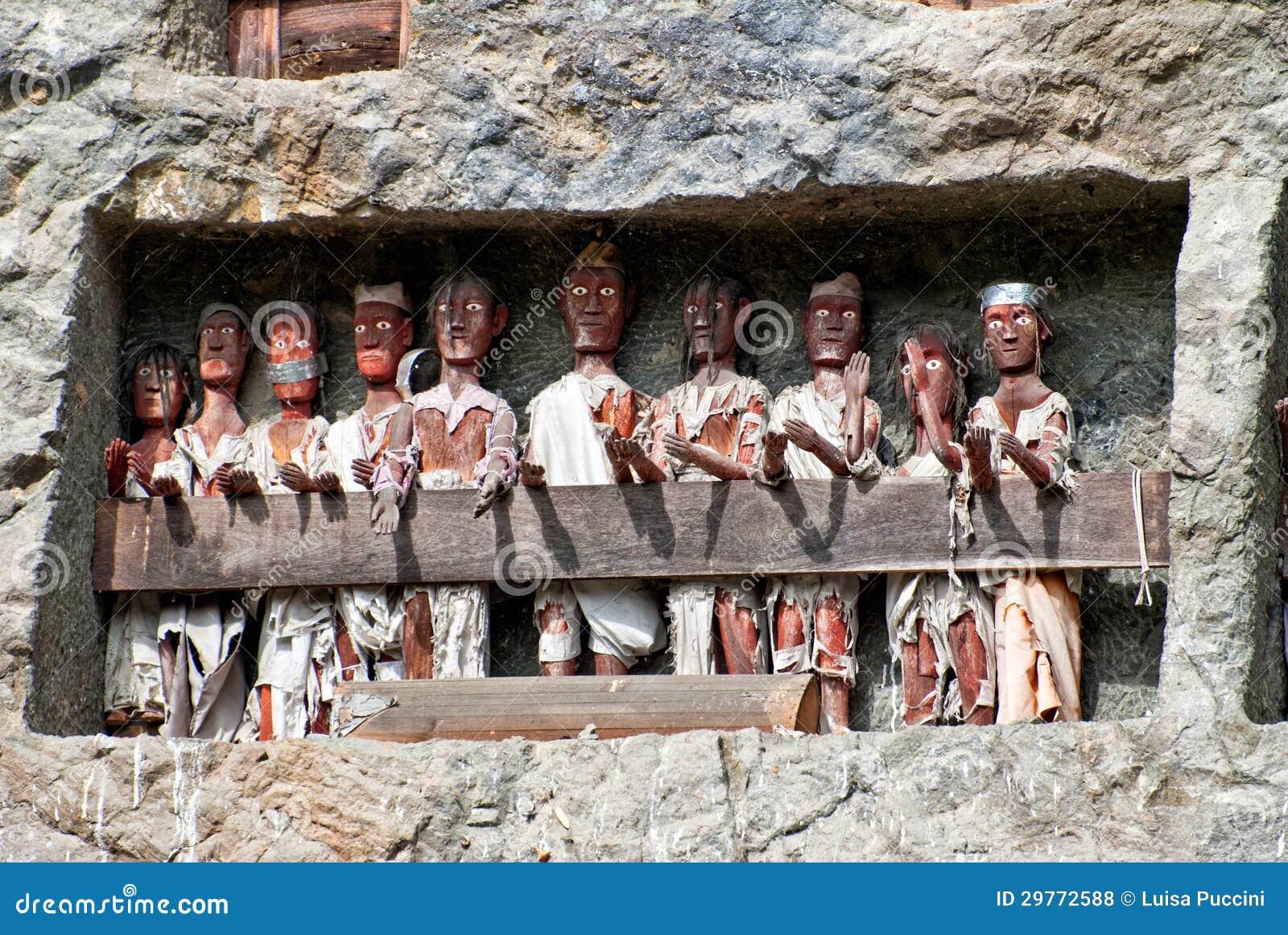 Tau Tau Statues In Lemo, Indonesia Stock Photo  Image of ancient, indonesia: 29772588