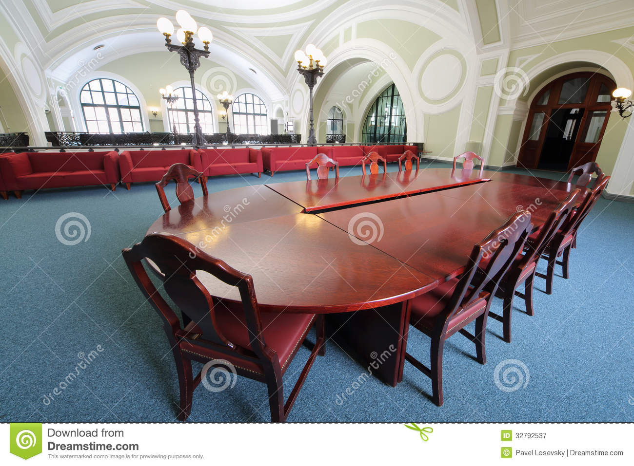 Wooden table in commerce and industrial chamber of russia for Table moscow