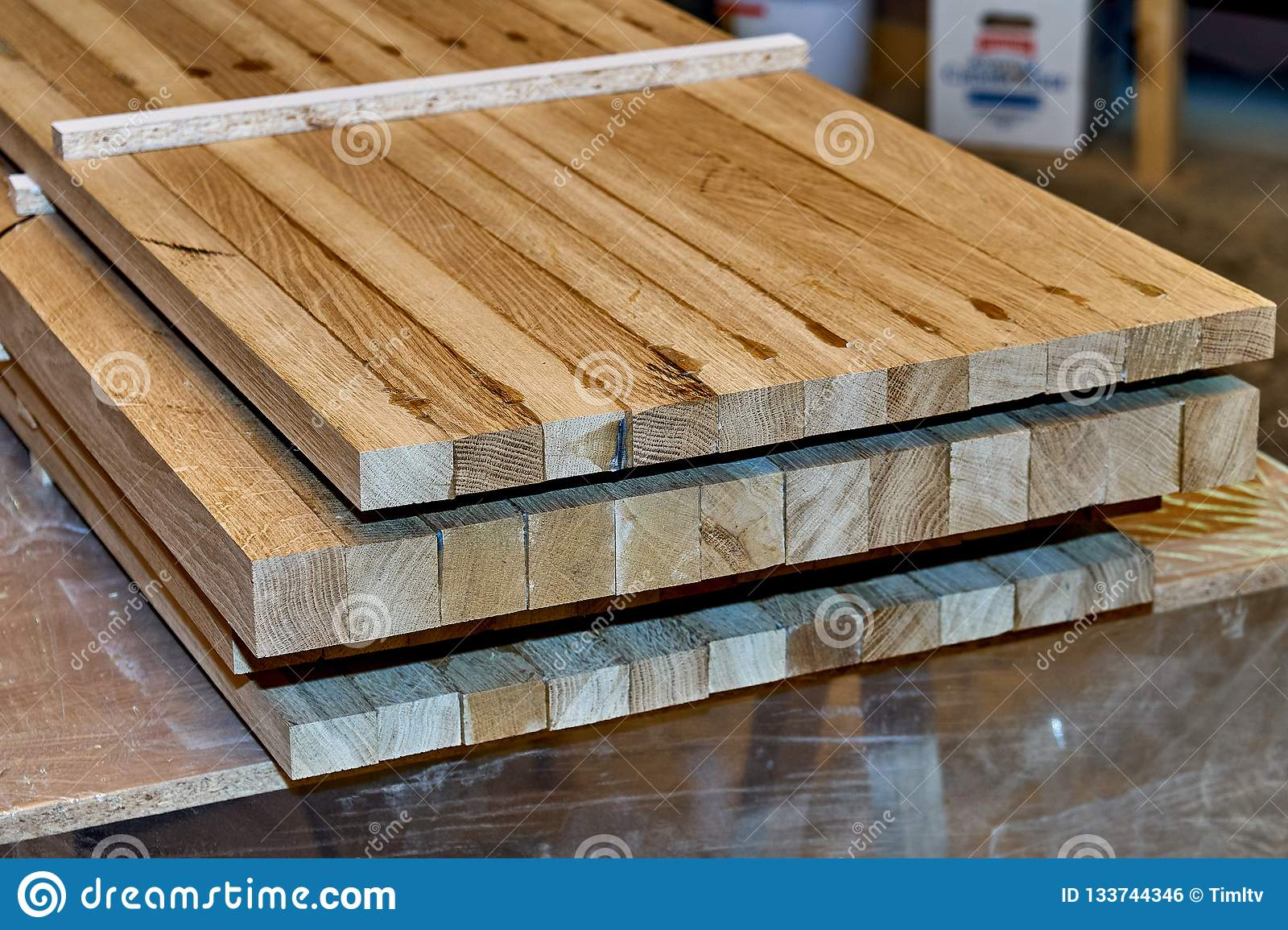 Production manufacturing glued plywood