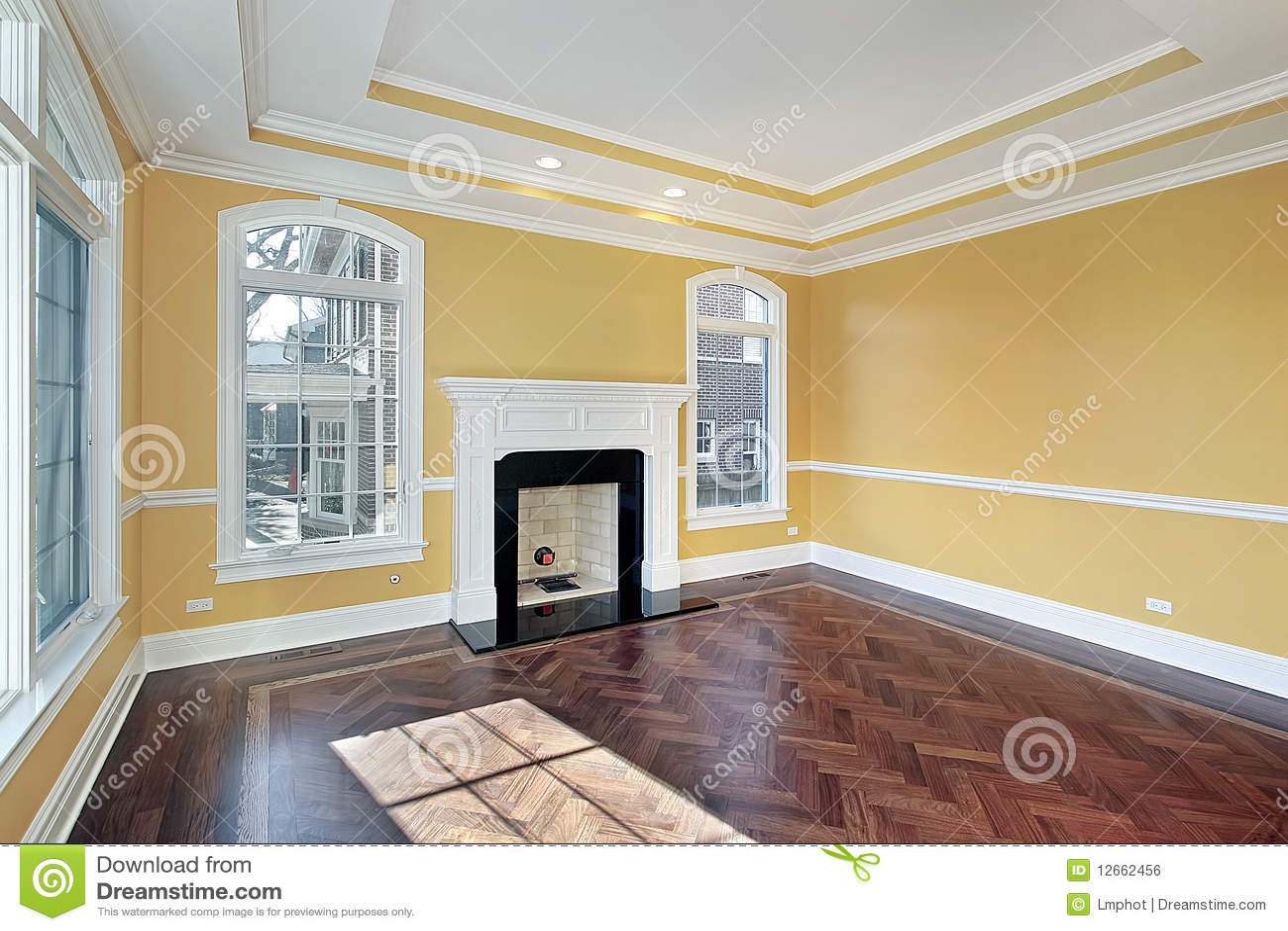 Woonkamer met gele muren royalty vrije stock afbeelding ...