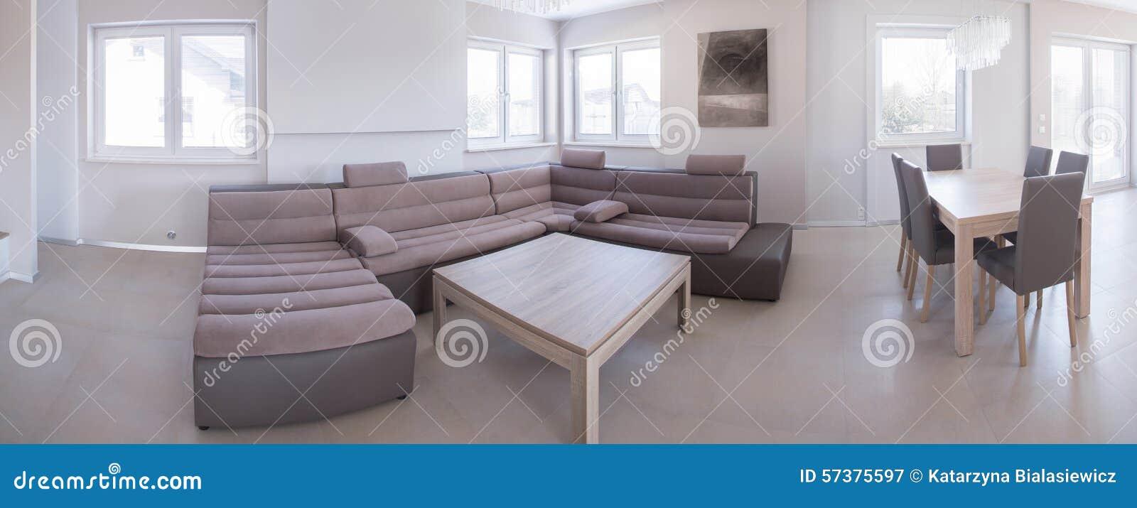 Woonkamer met het dineren ruimte